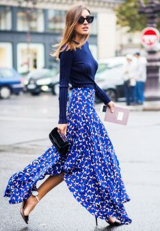 Skirt-with-heel-shoes-and-sunglasses